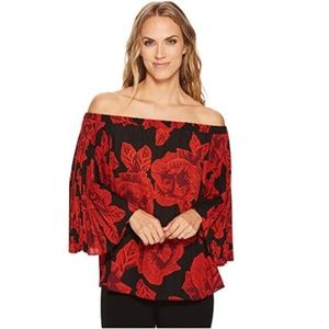 Vince Camuto off shoulder pleated Floral NWT